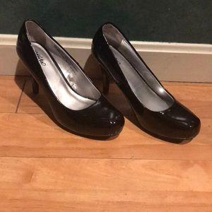 Size 7.5 Mossimo black high heels